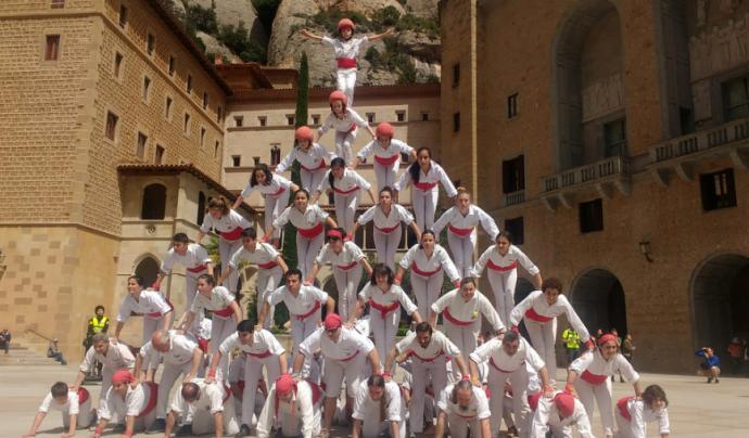 Els Falcons de Barcelona durant una actuació al monestir de Montserrat.