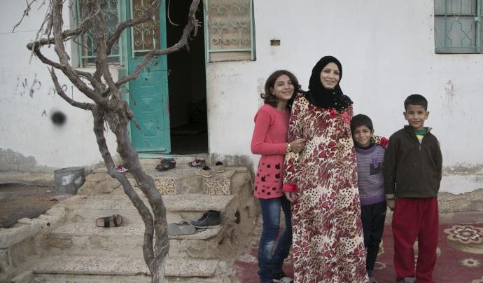 Família siriana en un camp de refugiats. Font: Wikimedia