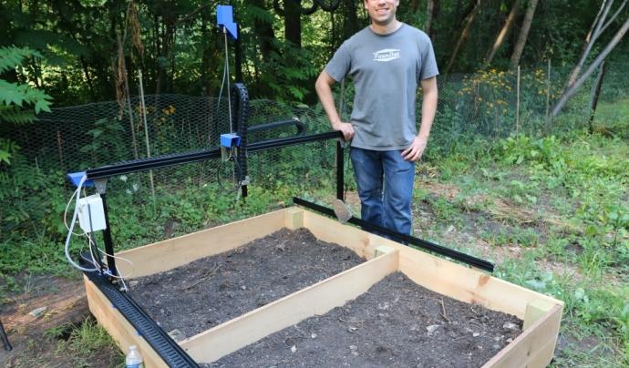 El projecte Farmbot consisteix en construir un hort totalment robotitzat.