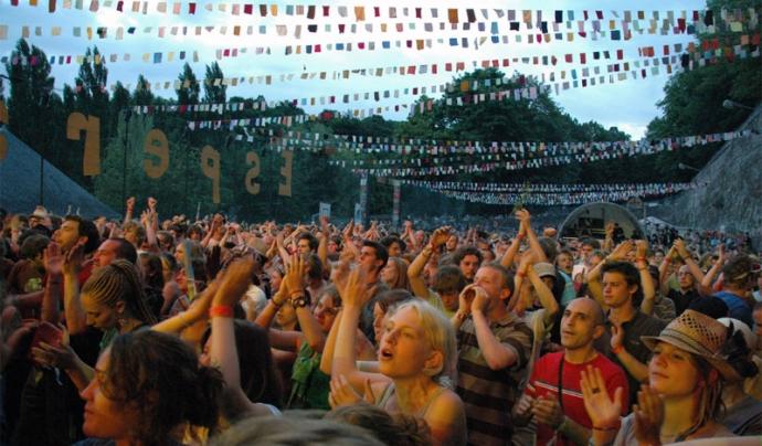 El Festival Esperanzah! es celebrarà els dies 7, 8 i 9 d'octubre al Parc Nou del Prat de Llobregat (font: xarxanet.org).