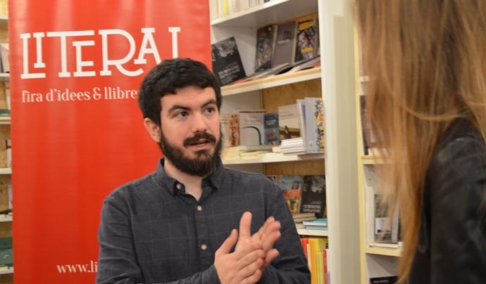 Simón Vázquez és el coordinador de la Fira Literal (foto: Marta Rius).
