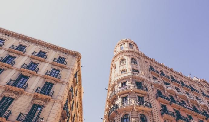 L'informe també alerta que les execucions hipotecàries van créixer fins a les 20.460, amb 4.643 només a Catalunya. Font: Unsplash. Font: Font: Unsplash.
