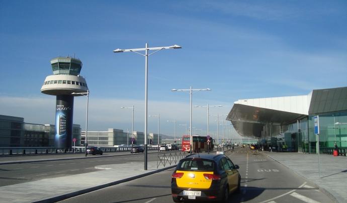 Infraestructures com el port i l'aeroport són grans zones d'emissions contaminants. Font: Pixabay