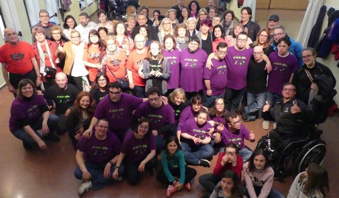 L'equip comunitari de 'Marianao TéCor', en una flashmob.  Font: Fundació Marianao