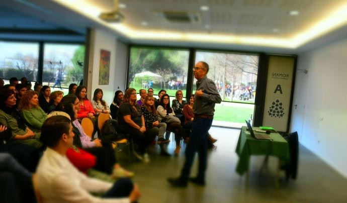 L'acte va acollir una xerrada sobre educació de Jaume Funes. Font: Fundesplai. Font: Font: Fundesplai.