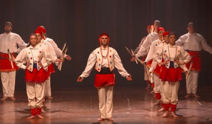 Manuel Cubeles va fundar l'Esbart Margoleny de Les Preses als anys quaranta. Font: Fotograma de l'actuació de l'Esbart Marboleny durant l'acte inaugural de l'Any Manuel Cubeles.