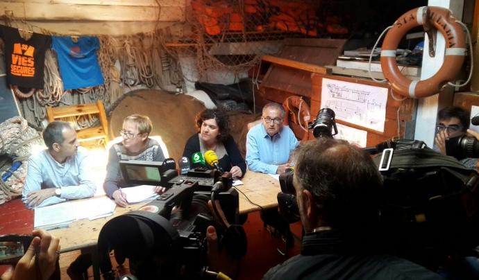 Sonia Ros, portaveu de l'entitat, al centre de la imatge durant una roda de premsa. Font: Stop Mare Mortum