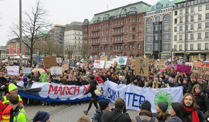 Manifestació del moviment 'Fridays for future' a Hamburg, el passat 1 de març. Font: wikipedia