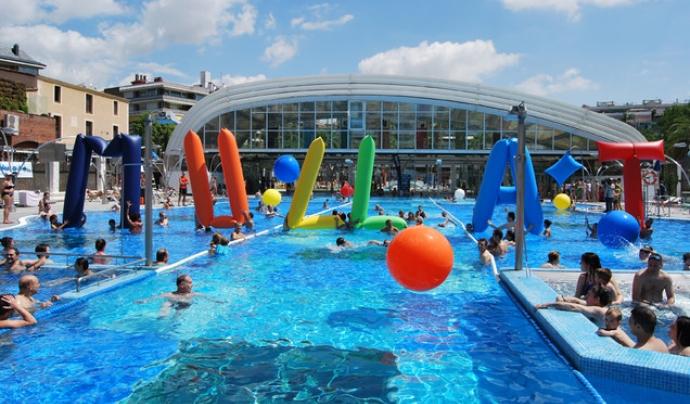 Imatge d'una piscina celebrant la jornada del Mulla't Font: elperiodico.com