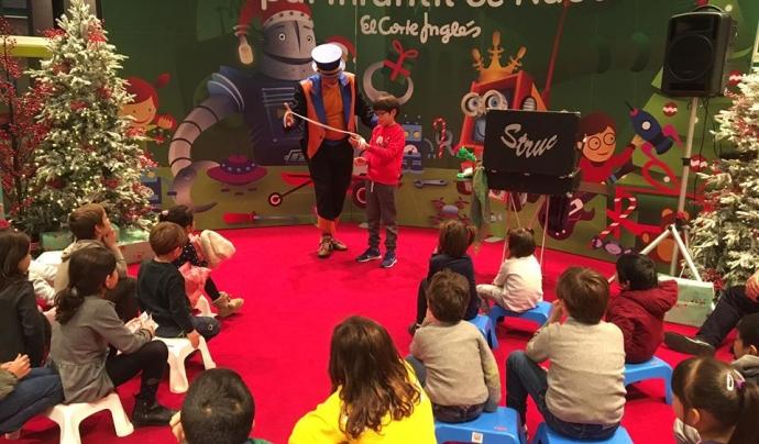 Els espectacles de màgia són una de les activitats de la campanya de Nadal. Font: Fundació La Roda