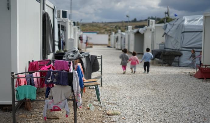 L'enitat alerta que amb la pandèmia s'ha agreujat la situació de les persones refugiades. Font: Unsplash. Font: Font: Unsplash.