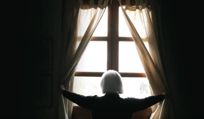 La soledat no desitjada afecta de manera més directa a les dones grans, col·lectiu que té sentiments més intensos de soledat emocional. Font: ABD