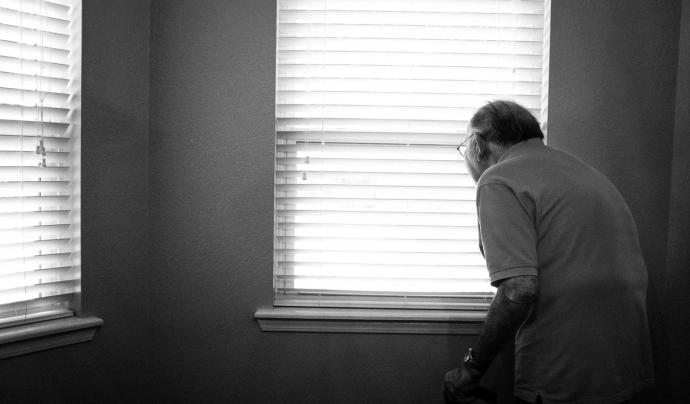 Les persones grans que viuen en situació de soledat no desitjada tenen un risc més elevat de patir depressió. Font: Unsplash. Font: Font: Unsplash.