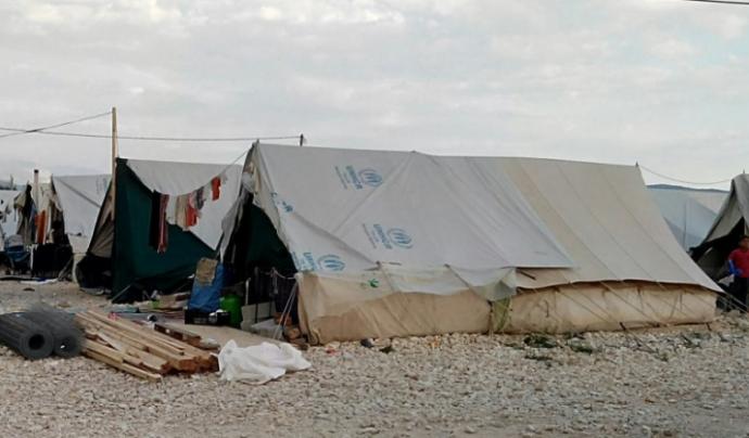 Milers de persones viuen en condicions complicades en els camps de persones refugiades de l'est d'Europa. Font: Gofundme
