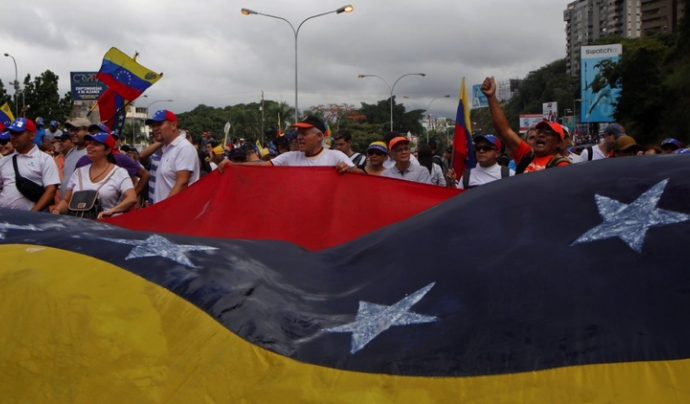 Milers de manifestants reclamen democràcia a Veneçuela Font: El Observador