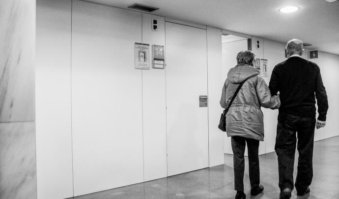 'Grans Actius' té l'objectiu que qui necessiti un acompanyament per anar al CAP o a l'hospital el trobi en una persona voluntària. Font: José Sánchez