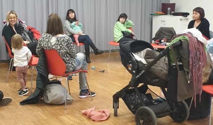 El grup de suport a la maternitat i la lactància de LactaMater es reuneix ara de forma virtual. Font: LactaMater