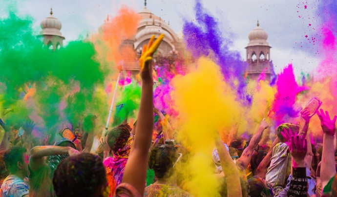 Holi, una festa plena de colors