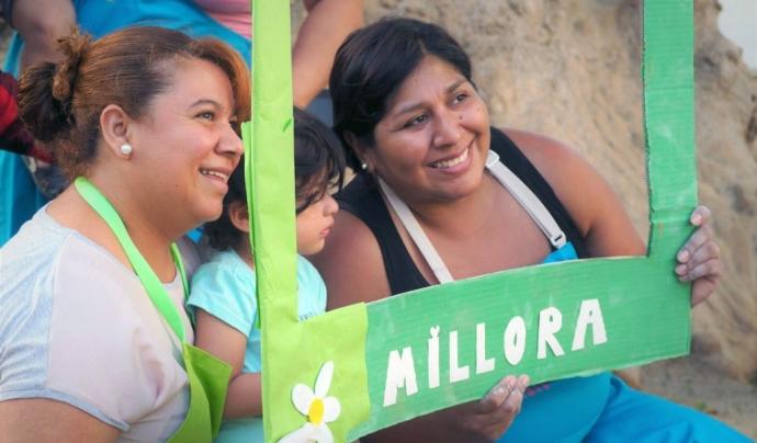 El projecte està orientat a la inserció social i laboral de les dones migrades d'El Prat de Llobregat. Font: ABD.