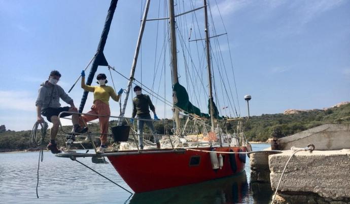 El veler de la companyia sarda L'Argos Maltés connectarà en directe des del mar Adriàtic. Font: Ateneu Popular 9 Barris