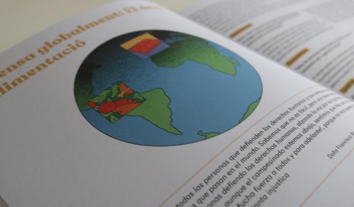 La guia educativa es fonamenta en una metodologia pedagògica anomenada Aprenentatge Servei, un enfocament centrat en l'aprenentatge experimental per transformar l'entorn. Font: DESOS Opció Solidària