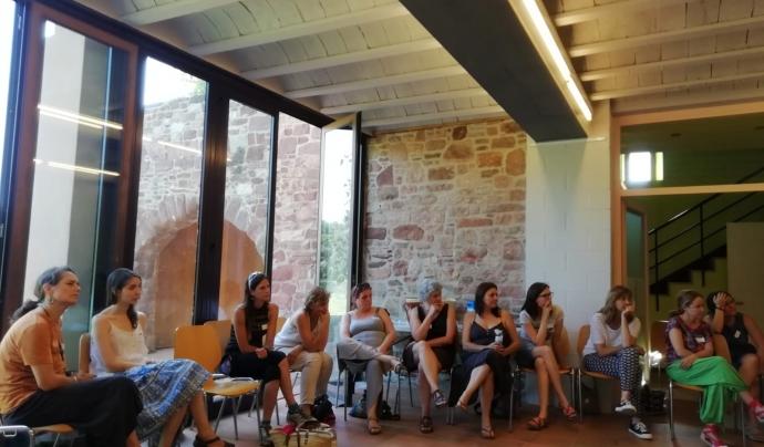 Imatge d'una de les trobades de les membres de l'entitat. Font: Arremangades dones del Montseny