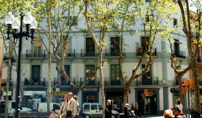 Imatge d'un edifici de pisos de Barcelona Font: rac1