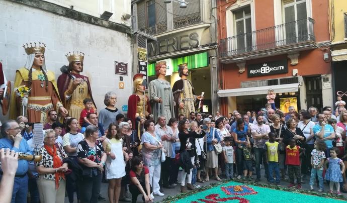 Els gegants de la ciutat observen l'esdevenir de la festa mentre esperen el seu torn per sortir a ballar Font: Patronat del Corpus de Lleida