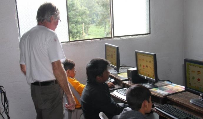 Voluntari en un projecte a Guatemala Font: ONG Voluntariado