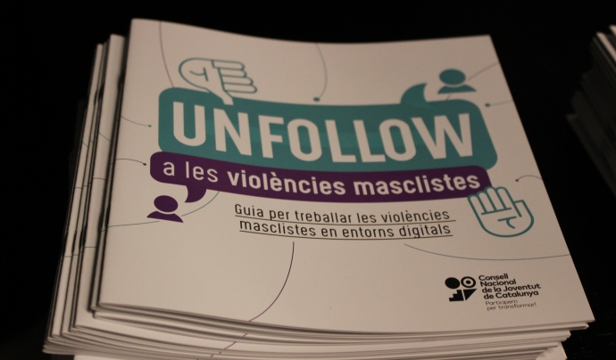 La guia exposa diferents violències masclistes, com la pressió de grup, la pressió estètica, el control a la parella i les humiliacions públiques. Font: CNJC. Font: Font: CNJC.