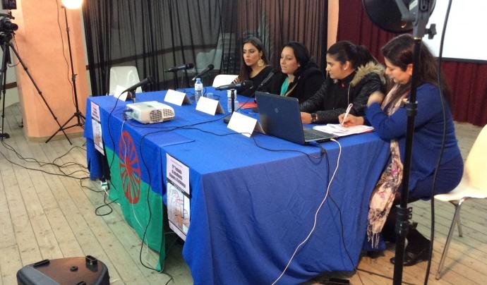 Jelen Amador, al fons, en una de les trobades de la Drom Font: Associació gitana de dones Drom Kotar Mestipen