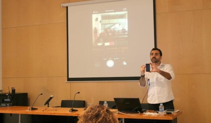 El periodista Jordi Flamarich farà una activitat formativa sobre com gravar i editar vídeos a l'EVV. Font: Col·legi de Periodistes