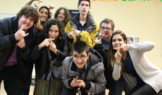 Joves participants a la campanya #iDIDmyselfie per les persones amb diversitat funcional. Font: Twitter