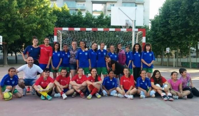A partir del futbol, van organitzar un mundial de futbol femení amb Itàlia, Alemanya, Polònia Ucraïna, Romania i Hongria. Font: Zali Zor. Font: Font: Zali Zor.