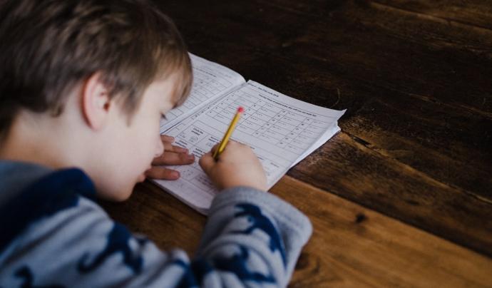 Fundesplai treballa amb consells d'infants vinculats als esplais perquè participin activament en l'avaluació. Font: Unsplash. Font: Font: Unsplash.