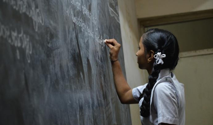 Un de cada tres adolescents que participen en les activitats de l'associació, no continua els estudis postobligatoris malgrat haver assolit l'ESO. Font: Unsplash. Font: Font: Unsplash.