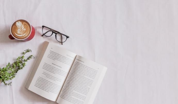 Les pautes de la Lectura Fàcil serveixen per garantir que un text és accessible per a tothom. Font: Unsplash. Font: Unsplash