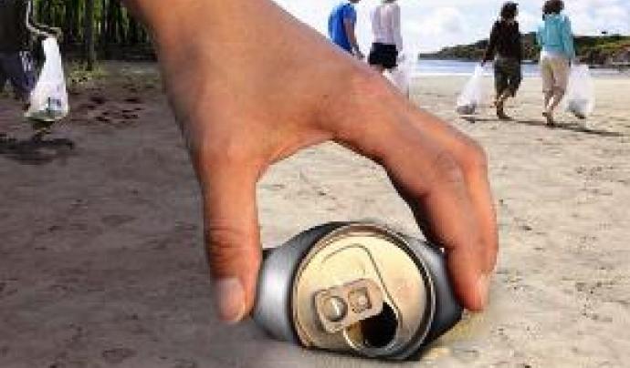 Voluntariat Ambiental contra els residus en espais naturals (imatge: http://residus.gencat.cat/)