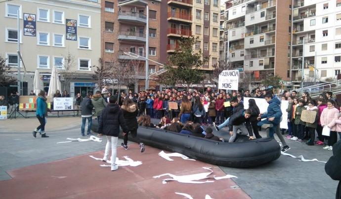Acció reivindicativa amb joves de la ciutat - Foto: Lleida pels Refugiats