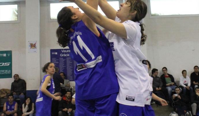 Salt inicial de dues jugadores, en l'edició de 2016 del torneig