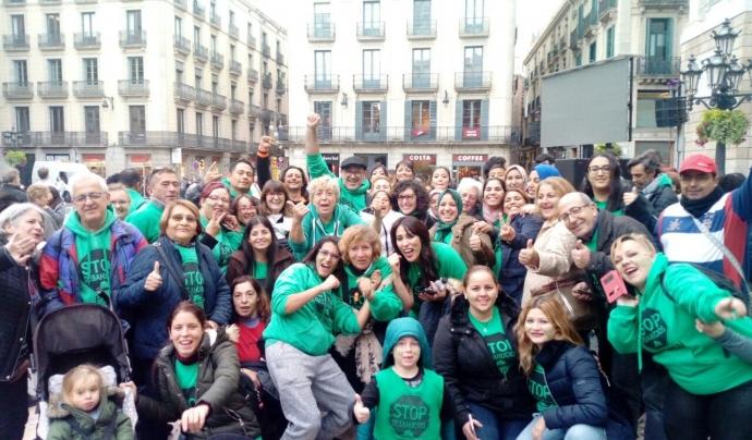 El grup promotor de la ILP de mesures per al dret a l'habitatge i en contra de la pobresa energètica està format per la PAH, l'APE i l'Observatori DESC. Font: PAH Barcelona. Font: PAH Barcelona