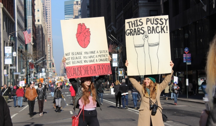 'Ni un pas enrere en igualtat. Els nostres drets no es negocien' és el lema de la concentració. Font: Unsplash.
