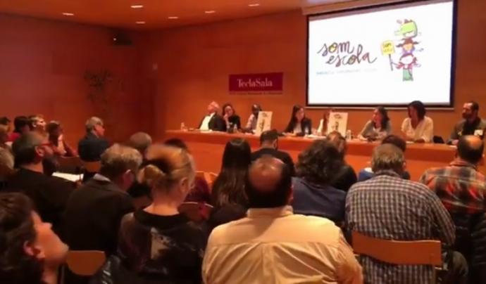 Presentació del manifest a la sala d'actes de la biblioteca Tecla Sala Font: Somescola