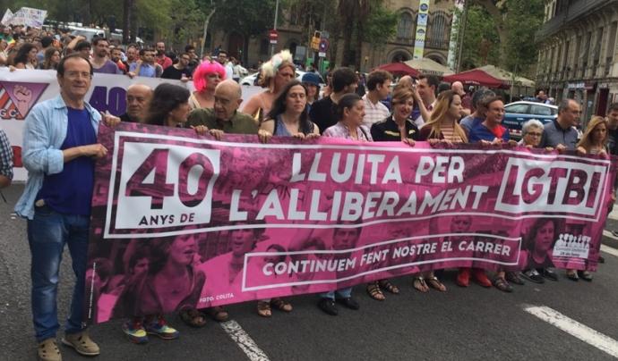 El Jordi Samsó, durant la manifestació celebrada amb motiu del 40è aniversari del moviment LGTBI català. Font: Casal Lambda