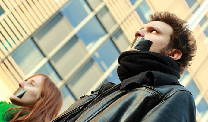 Participants d'una manifestació. CC BY-SA 3.0 - https://commons.wikimedia.org/wiki/File:Manifestation_NoCulture%3F_-_Bruxelles_13%E2%81%8412%E2%81%842013_(50).jpg Font: M0tty