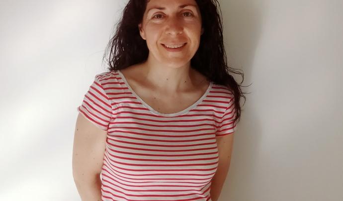 Mari Jose Conte, una de les voluntàries que s'encarrega de fer trucades periòdiques a les persones usuàries del barri de Sant Andreu