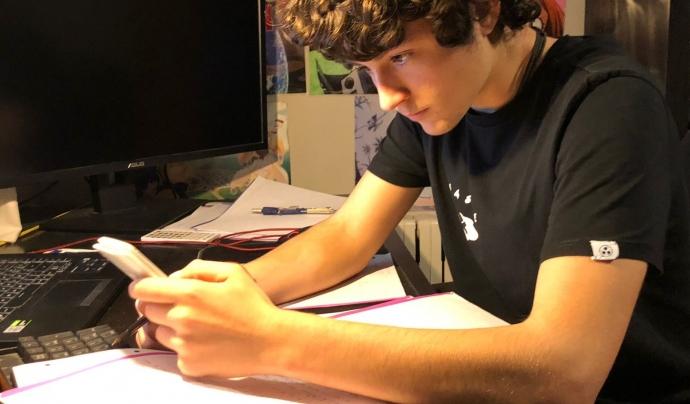 El Martí estudiant per les Proves d'Accés a la Universitat (PAU) Font: ACCAPS