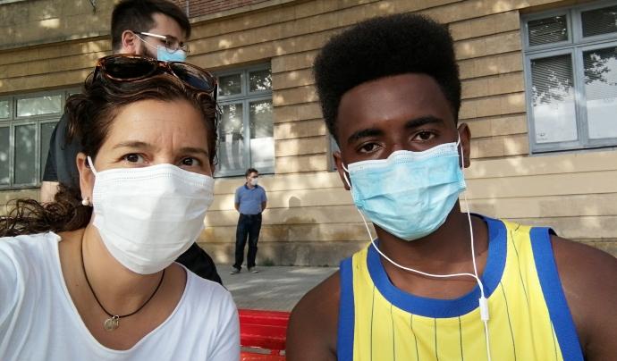 La Marta és mentora de l'associació i fa voluntariat per acompanyar a en Thierno. Font: Associació Quilòmetre Zero