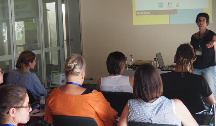 Presentació de l'aplicació Messagenes al congrés Nighitngale Font: Coordinadora Mentoria Social