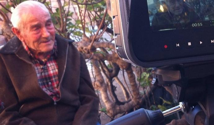 Gravant el documental sobre Josep Milà. Font: Campanya de micromecenatge de Correm per la Terra
